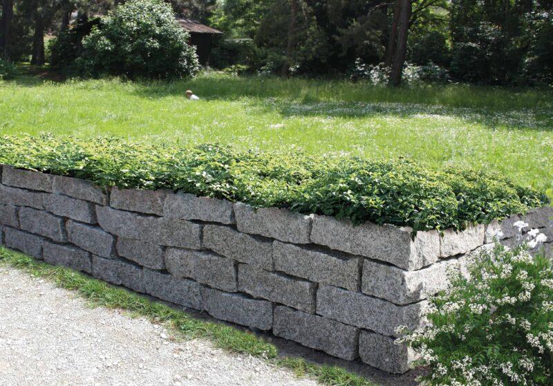 Häusler Granitblöcke
